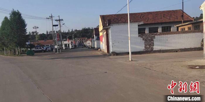 多年来,翟家庄村一直是省市县扶贫工作的重点村。 郝振奎 摄